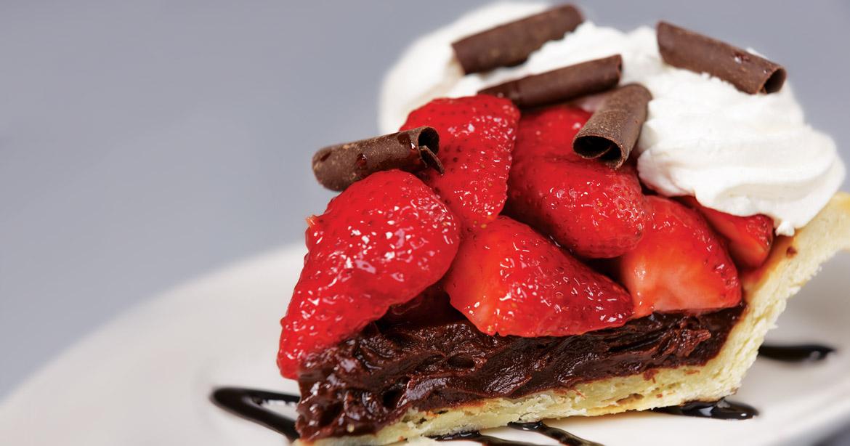 strawberry-choc-pie-slice_021